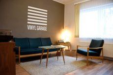 Vinyl Garage Wohnzimmer